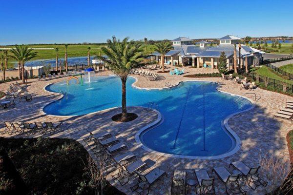 Summerlake_pool